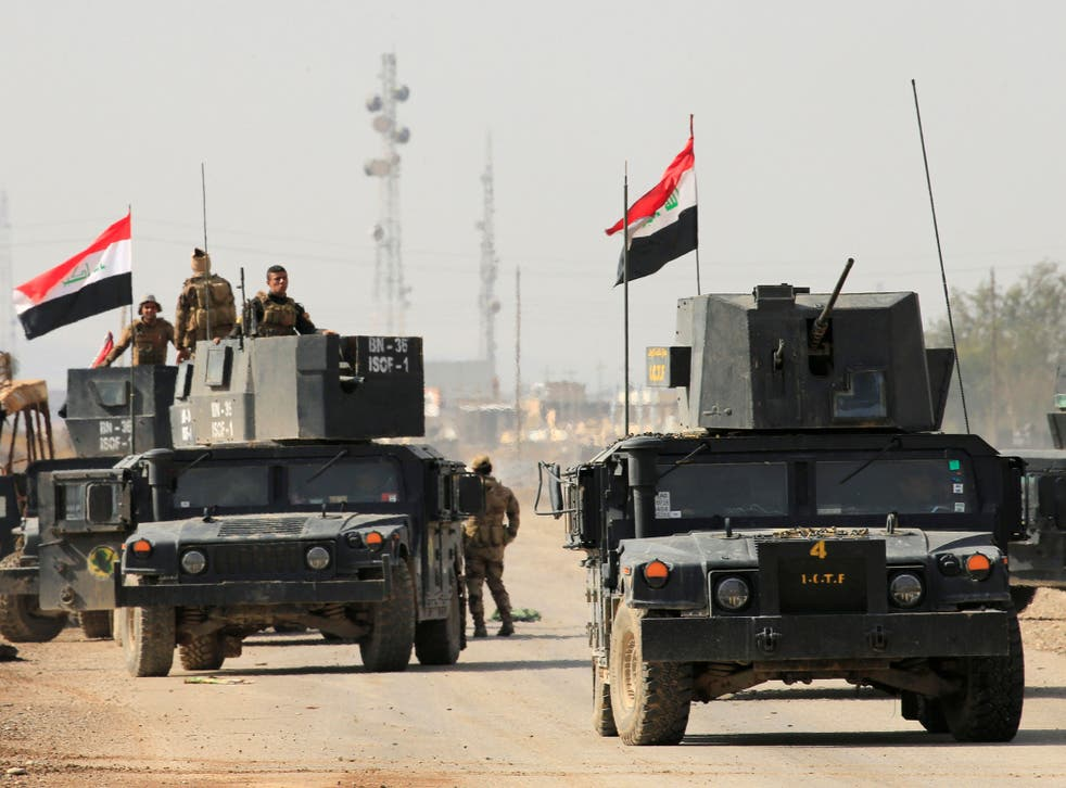 Iraqi Special Forces delayed their advance into east Mosul on Wednesday because high humidity and clouds made targeting from the air difficult