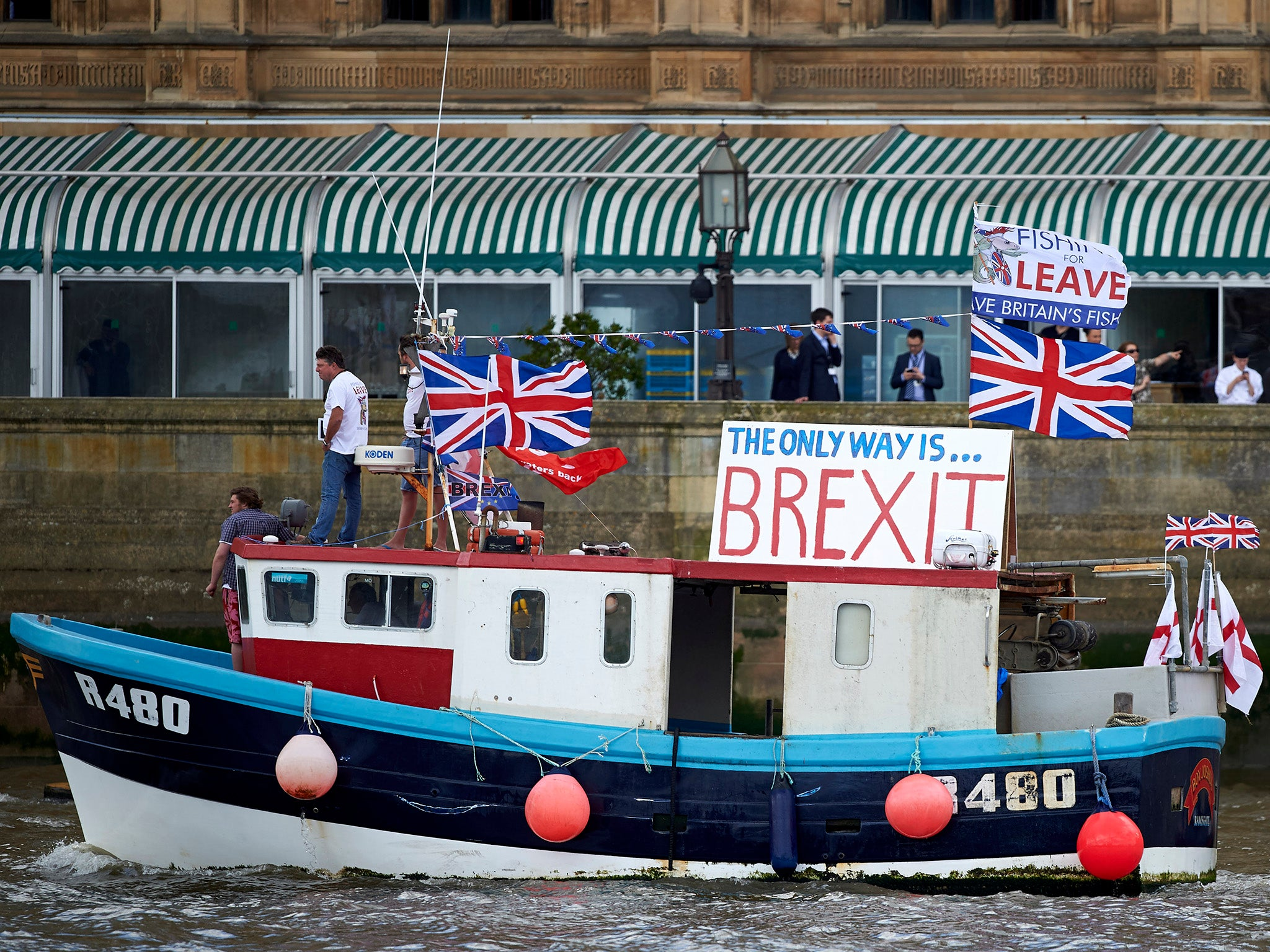 British fishermen would have to show catches to EU officials under no-deal Brexit, paper reveals