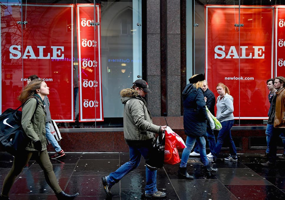 608bb84a20 Boxing Day sales  Bargain hunters take to shops across the country to find  best deals