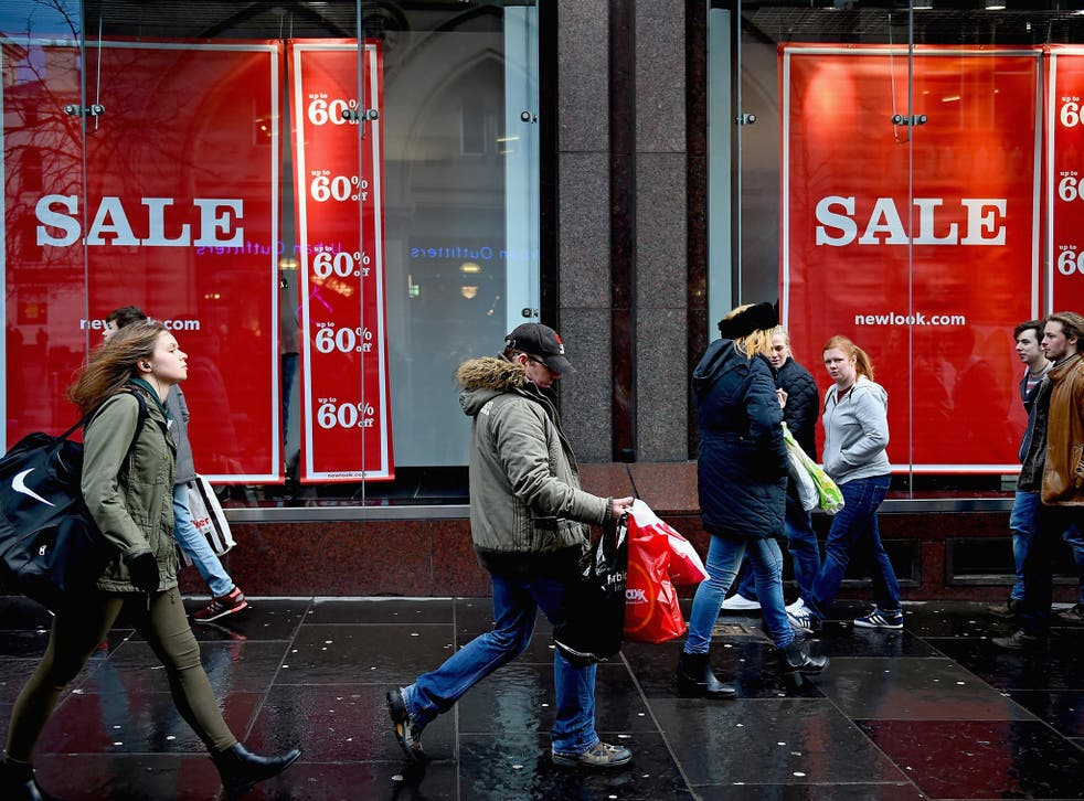 Shoppers look for Christmas gifts in Buchanan street, Glasgow