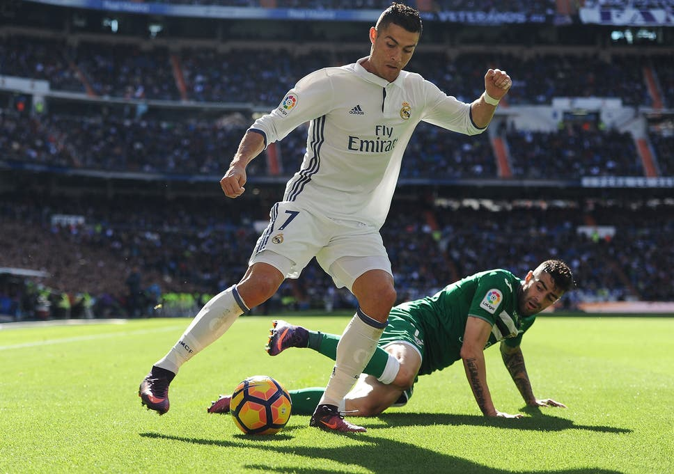 65bf35416 Cristiano Ronaldo signs Real Madrid contract extension to keep him at the  Bernabeu until 2021