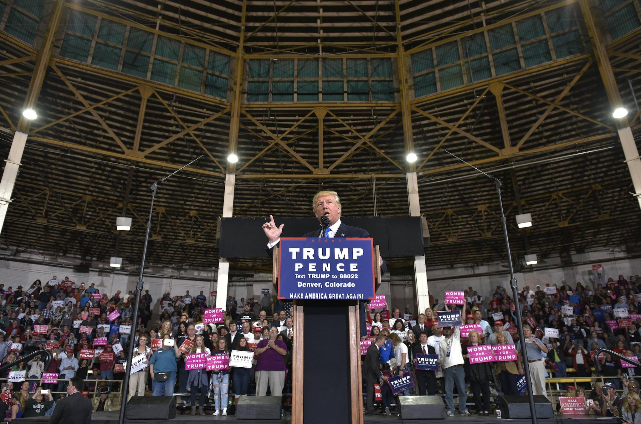 Donald Trump Suing Nevada Officials For Keeping Polls Open Two Hours Extra The Independent The Independent