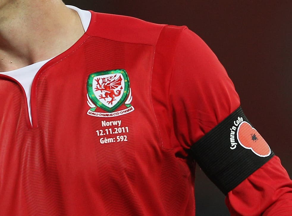 Welsh fans will hold up a poppy mosaic ahead of kick off