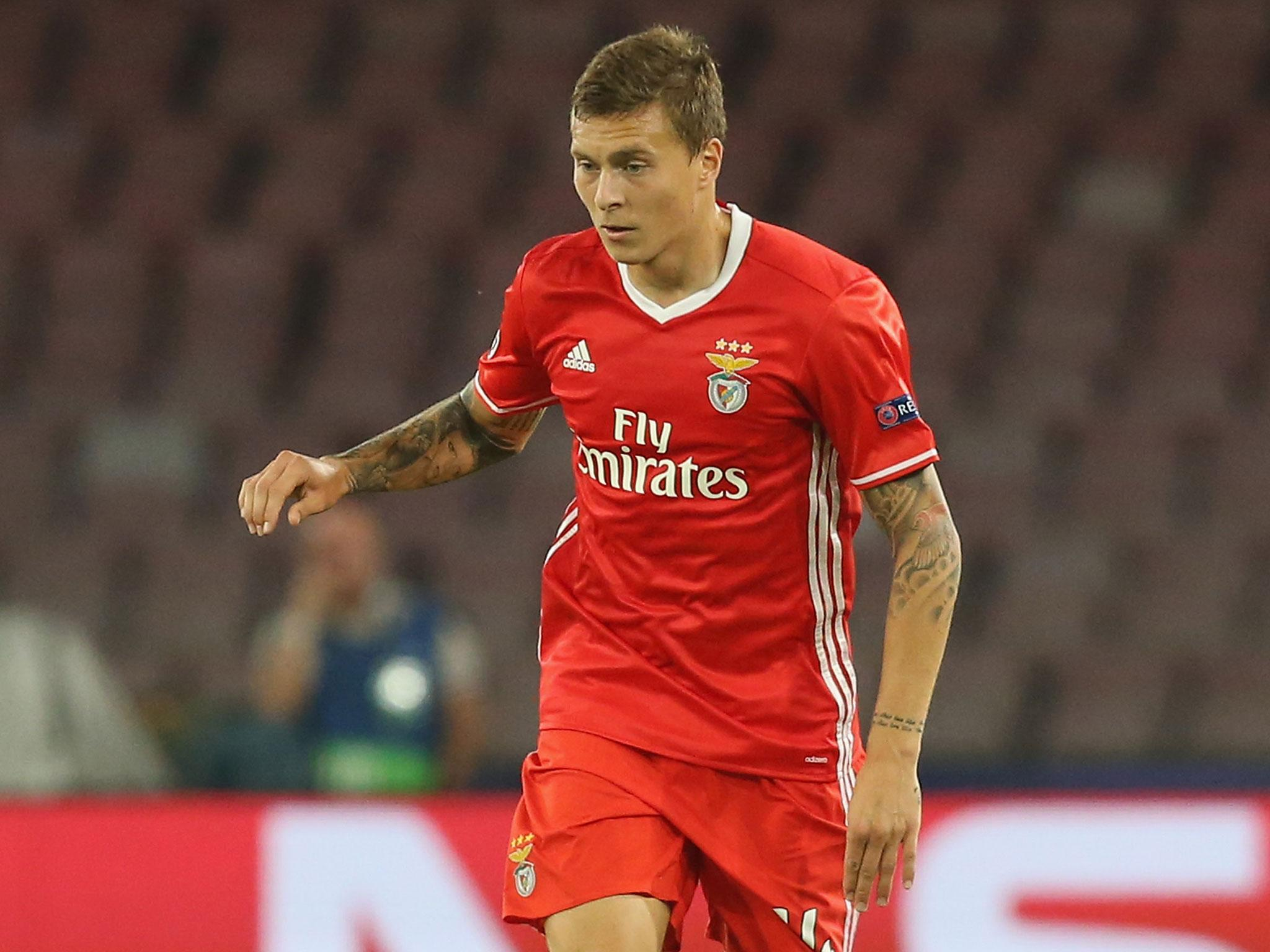 Manchester united news stoke turned down chance to sign - Victor lindelof ...