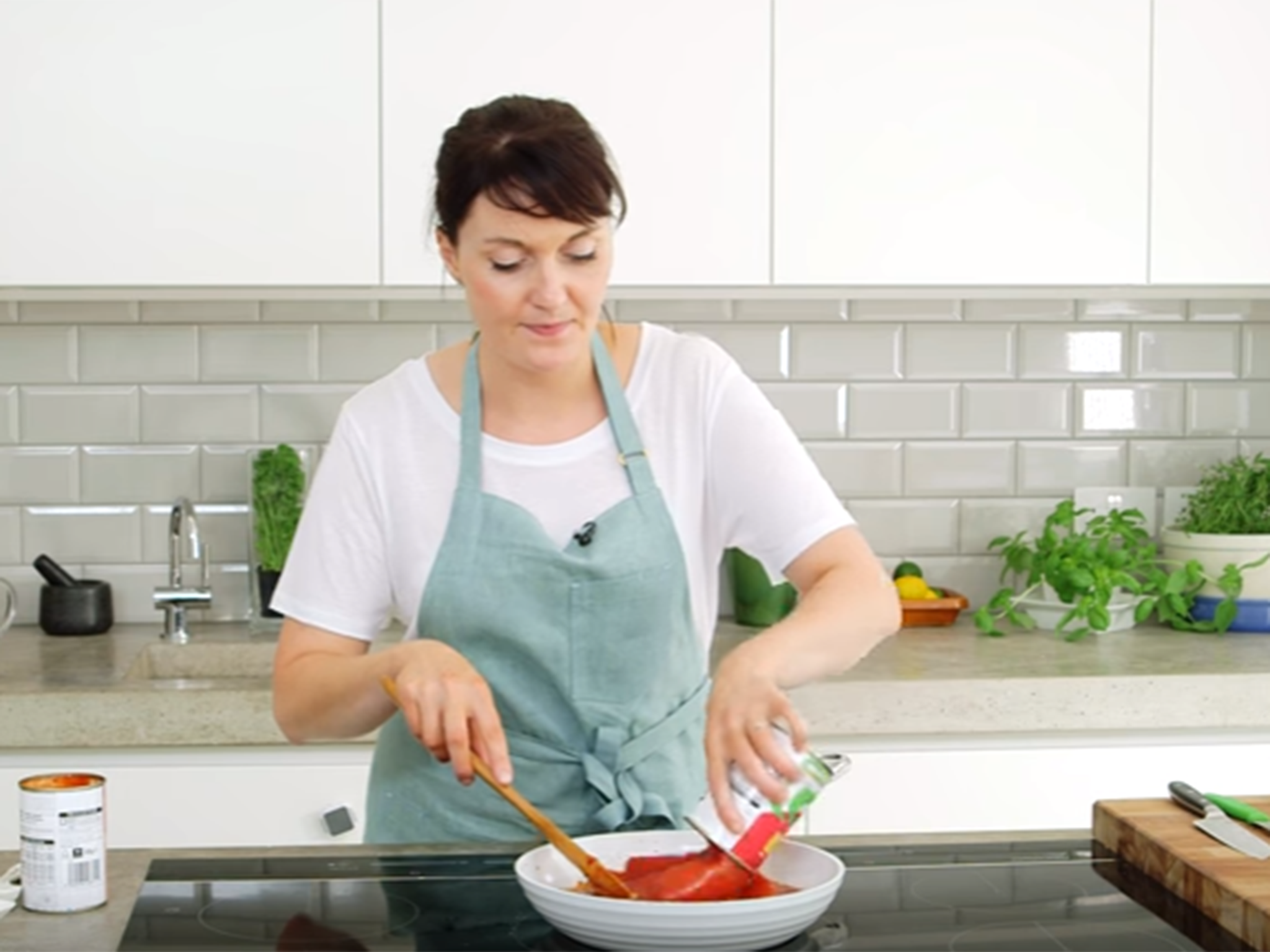 Kitchen essentials how to make the perfect tomato sauce the kitchen essentials how to make the perfect tomato sauce the independent forumfinder Choice Image