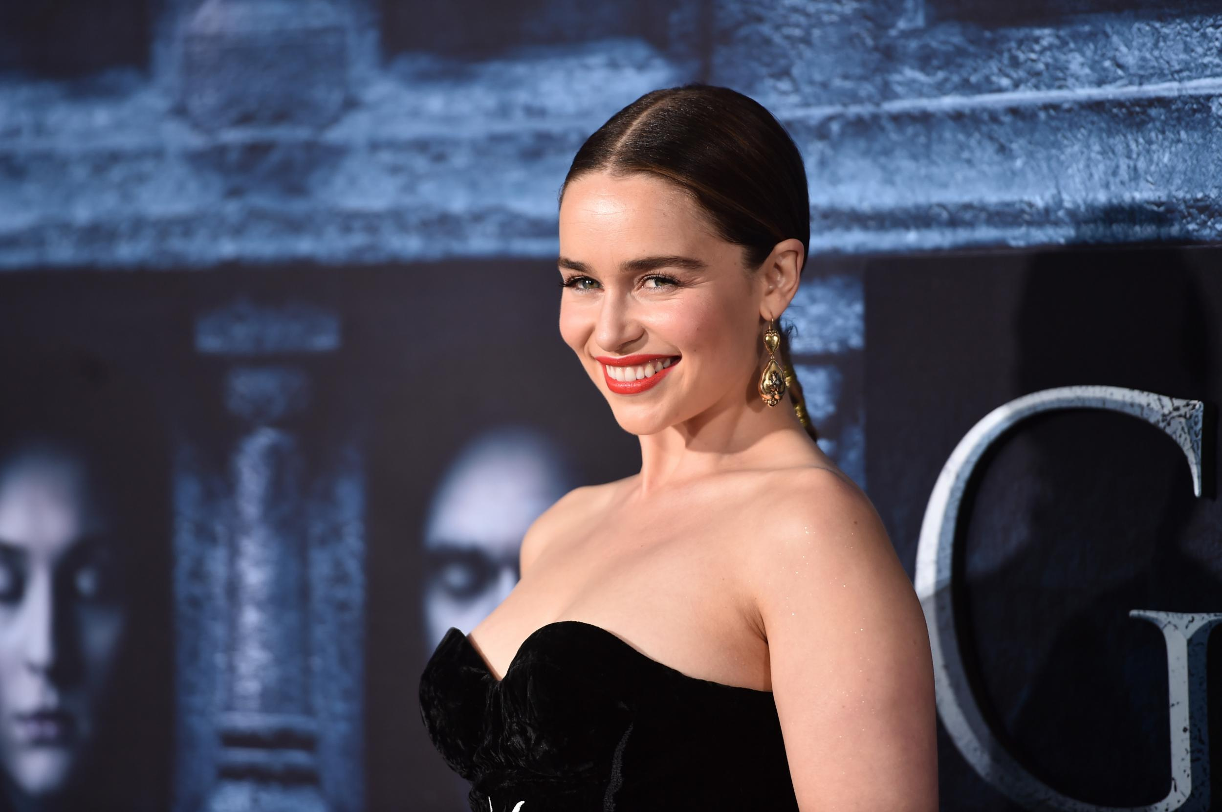 game of thrones emilia clarke cast in young han solo star