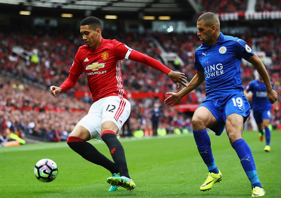 Manchester United News Chris Smalling Set To Be Handed New Contract