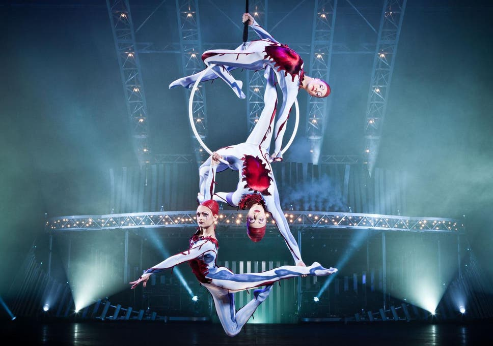 cirque du soleil performer falls from trapeze in horrific accident