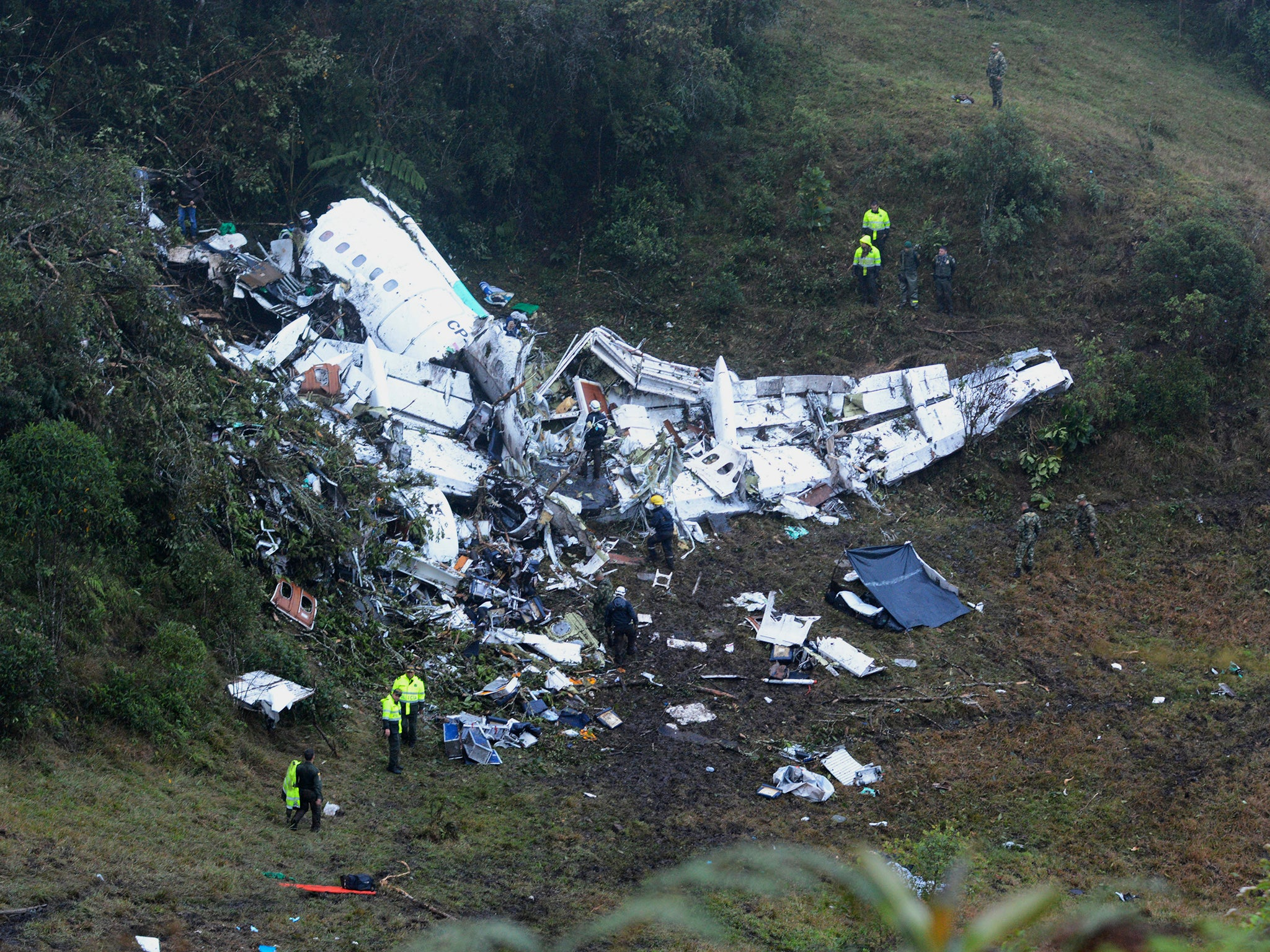 In Colombia crashed a plane with Brazilian soccer players 57