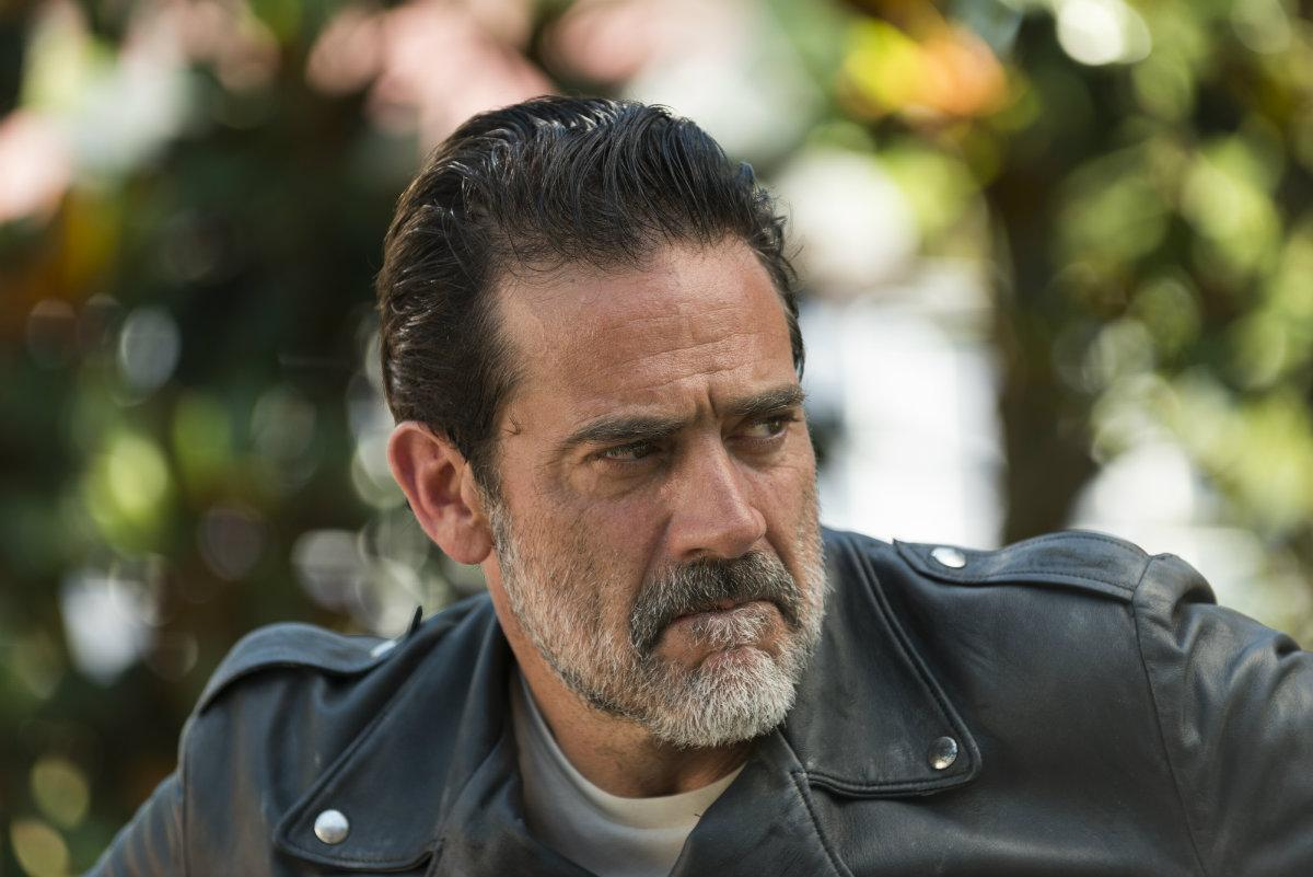 The Walking Dead Season 8 Jeffrey Dean Morgan Confirms Negan Will