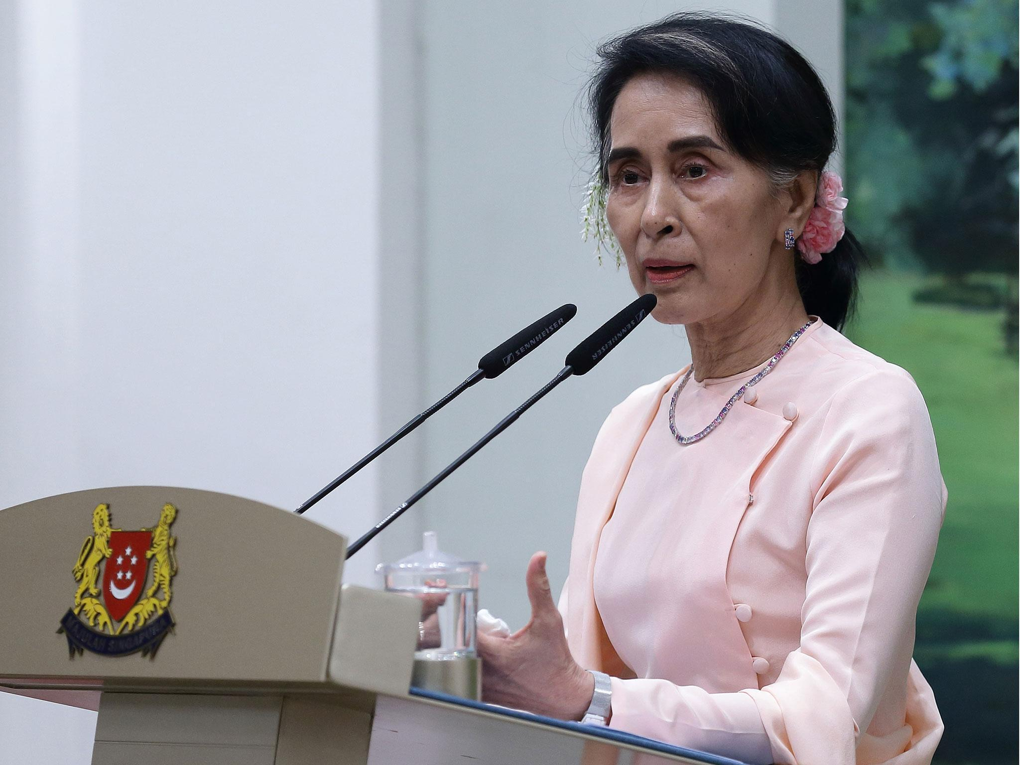 aung san suu kyi calls for 39 peace and reconciliation 39 in burma yet still refuses to address. Black Bedroom Furniture Sets. Home Design Ideas
