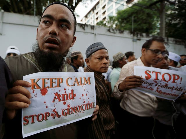 Muslims protest against what they say is Burma's crackdown on ethnic Rohingya Muslims