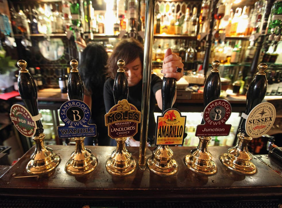 Parliamentary report says alcohol restrictions should apply in airports (Getty Images)