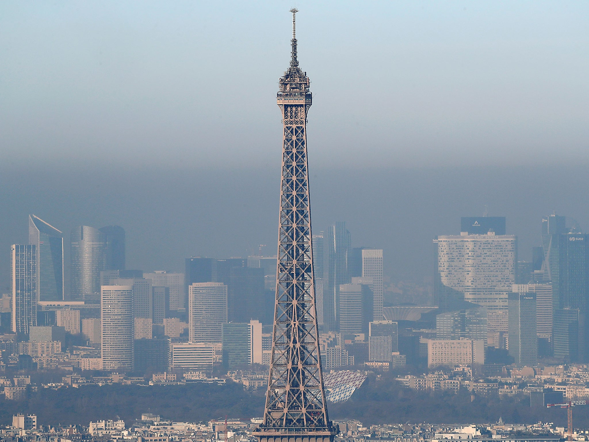 paris makes all public transport free in battle against 39 worst air pollution for 10 years 39 the. Black Bedroom Furniture Sets. Home Design Ideas