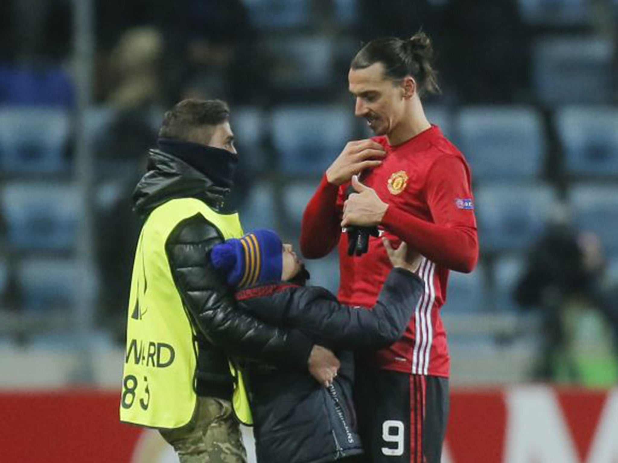 Manchester United: The Zlatan Ibrahimovic gesture to a young