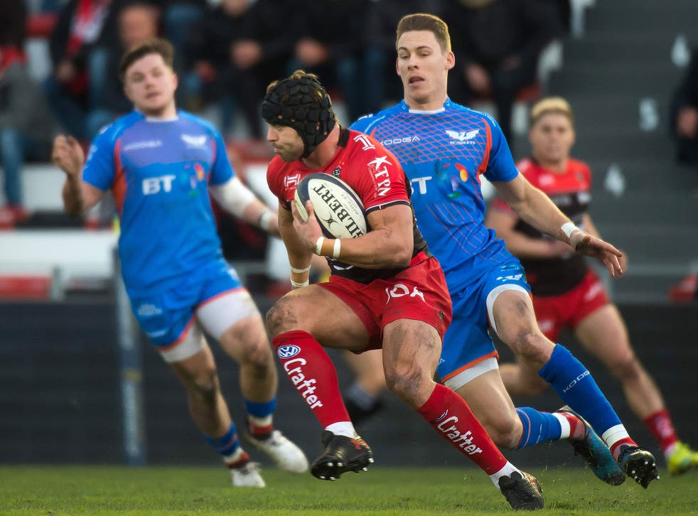 Leigh Halfpenny in action for Toulon during their game against Scarlets
