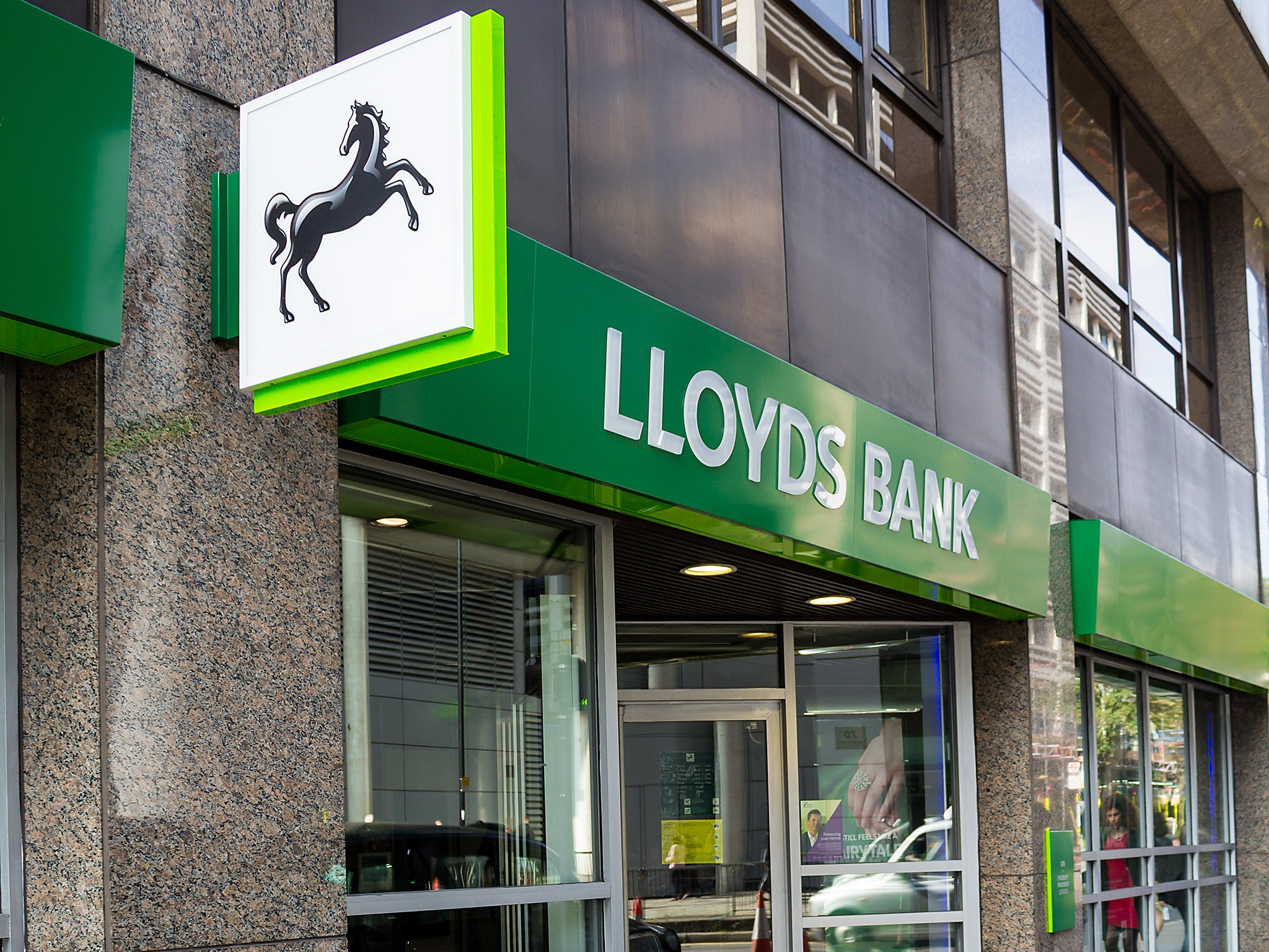 Lloyds Bank buys credit card company MBNA from Bank of America for ...