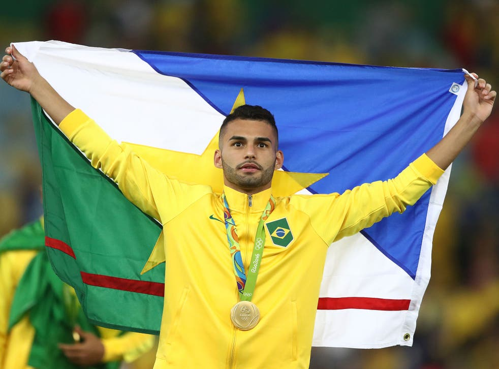 Liverpool join the race to sign Santos' Thiago Maia