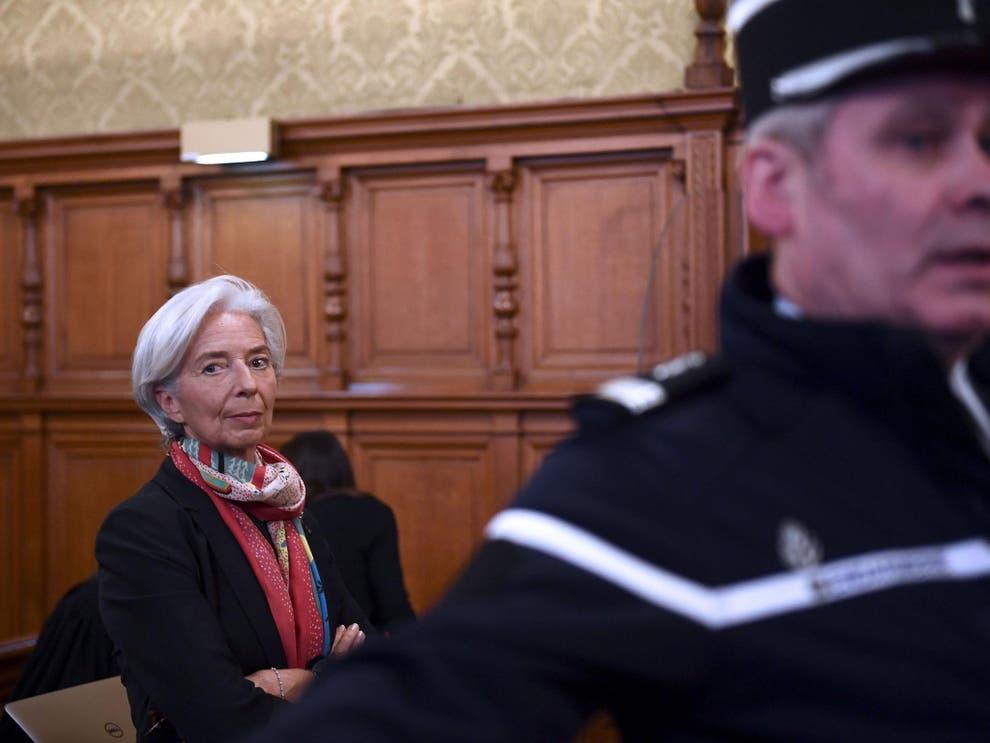 Глава МВФ Кристин Лагард в пятницу сквозь слезы заявила о своей невиновности (Бюро Мартина/AFP/Гетти)