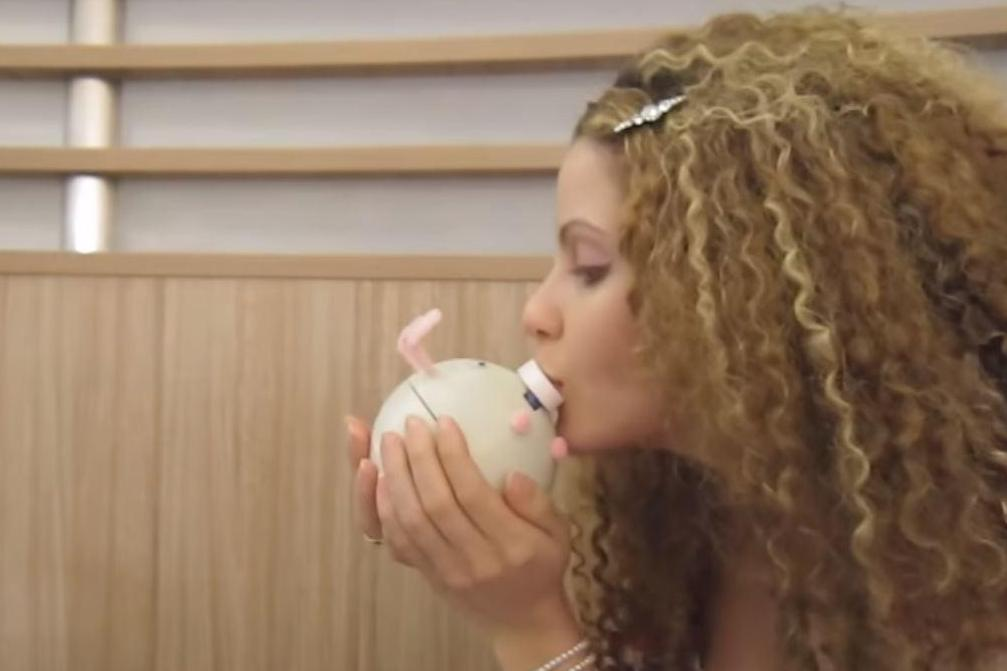 Kissenger: This bizarre new gadget helps you kiss your partner, wherever they are
