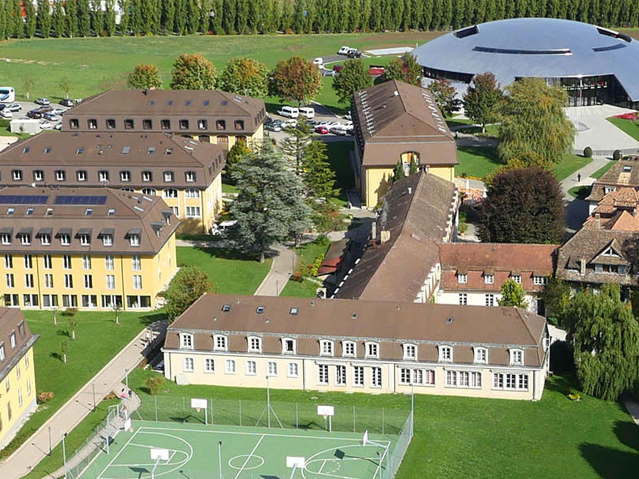 La Rosey Switzerland & Why the latest u0027gender neutralu0027 school uniform policy isnu0027t actually ...