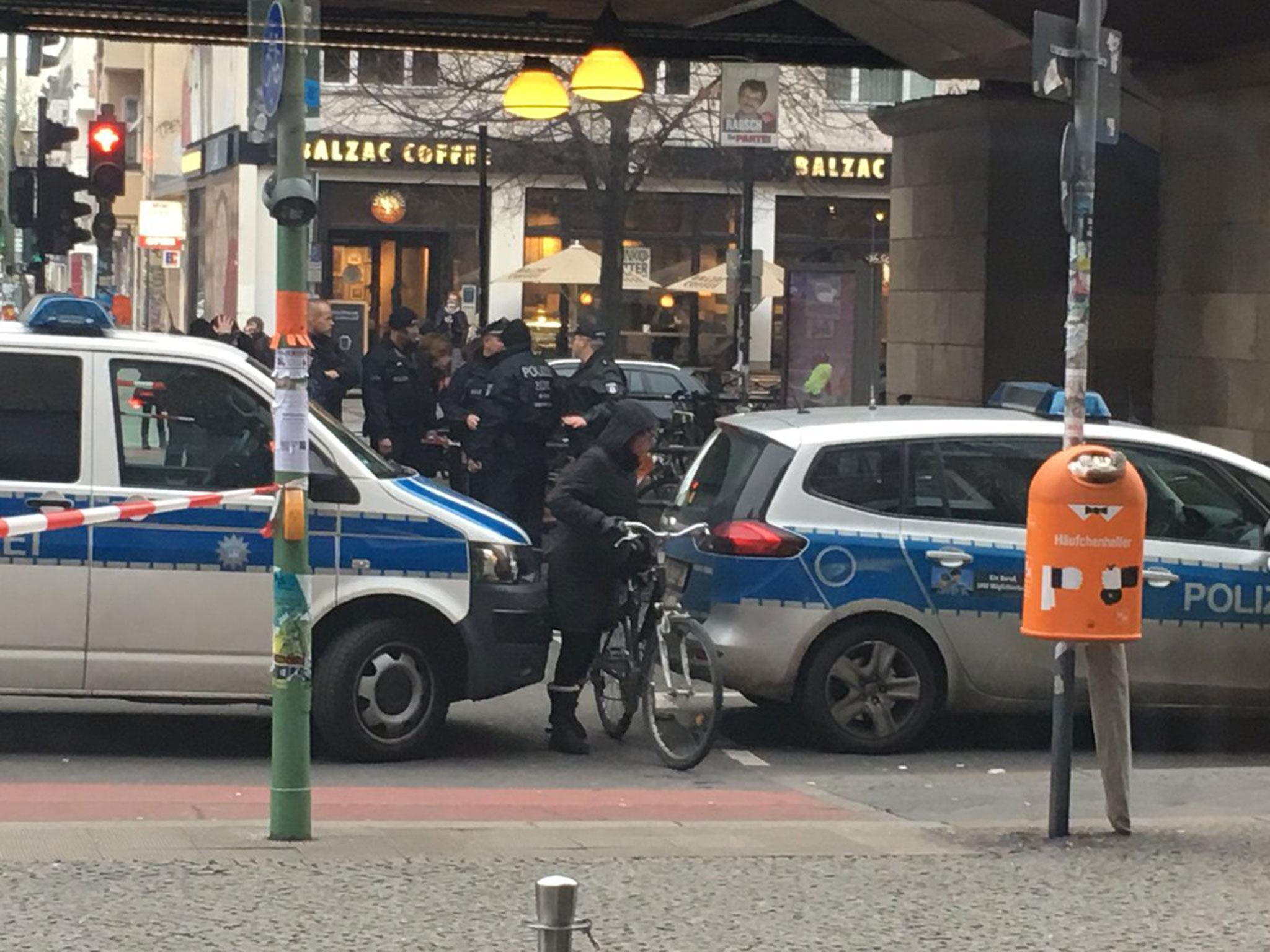 03c6c62f690930 Berlin  Underground trains halted and shopping centre closed after  suspicious package found