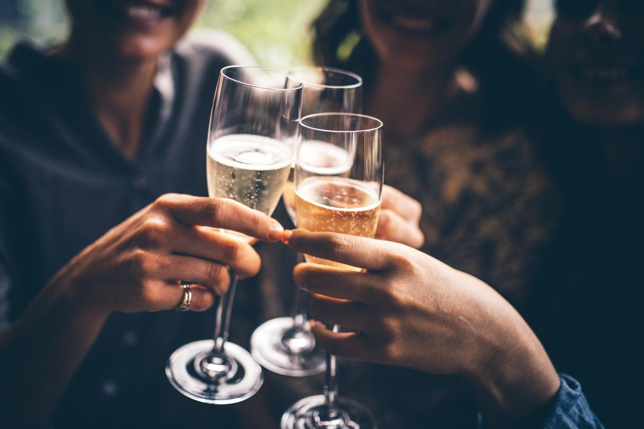 Alcoholic Beverages bad for teeth