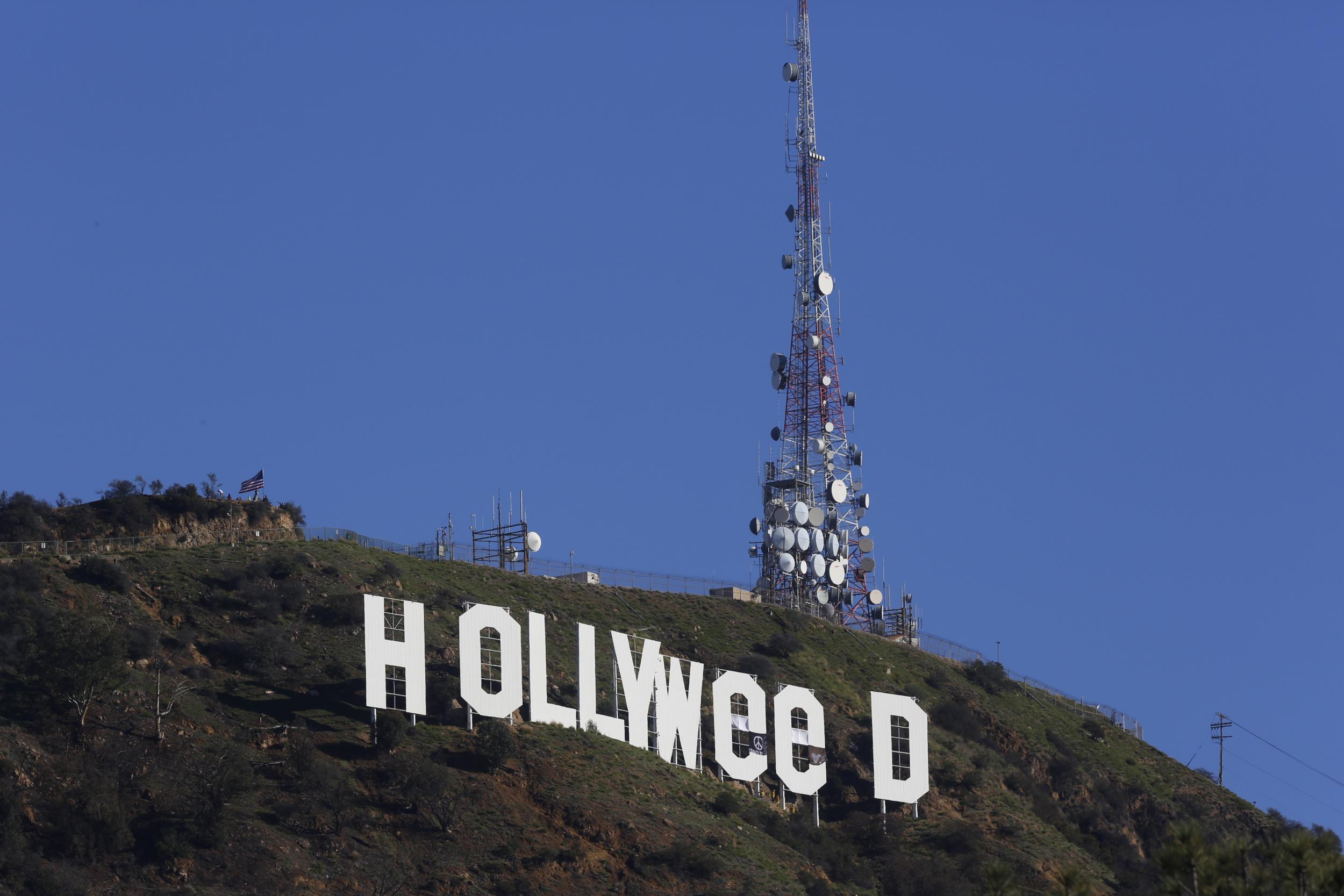 Hollywood Sign Changed To Hollyweed To Promote Cannabis