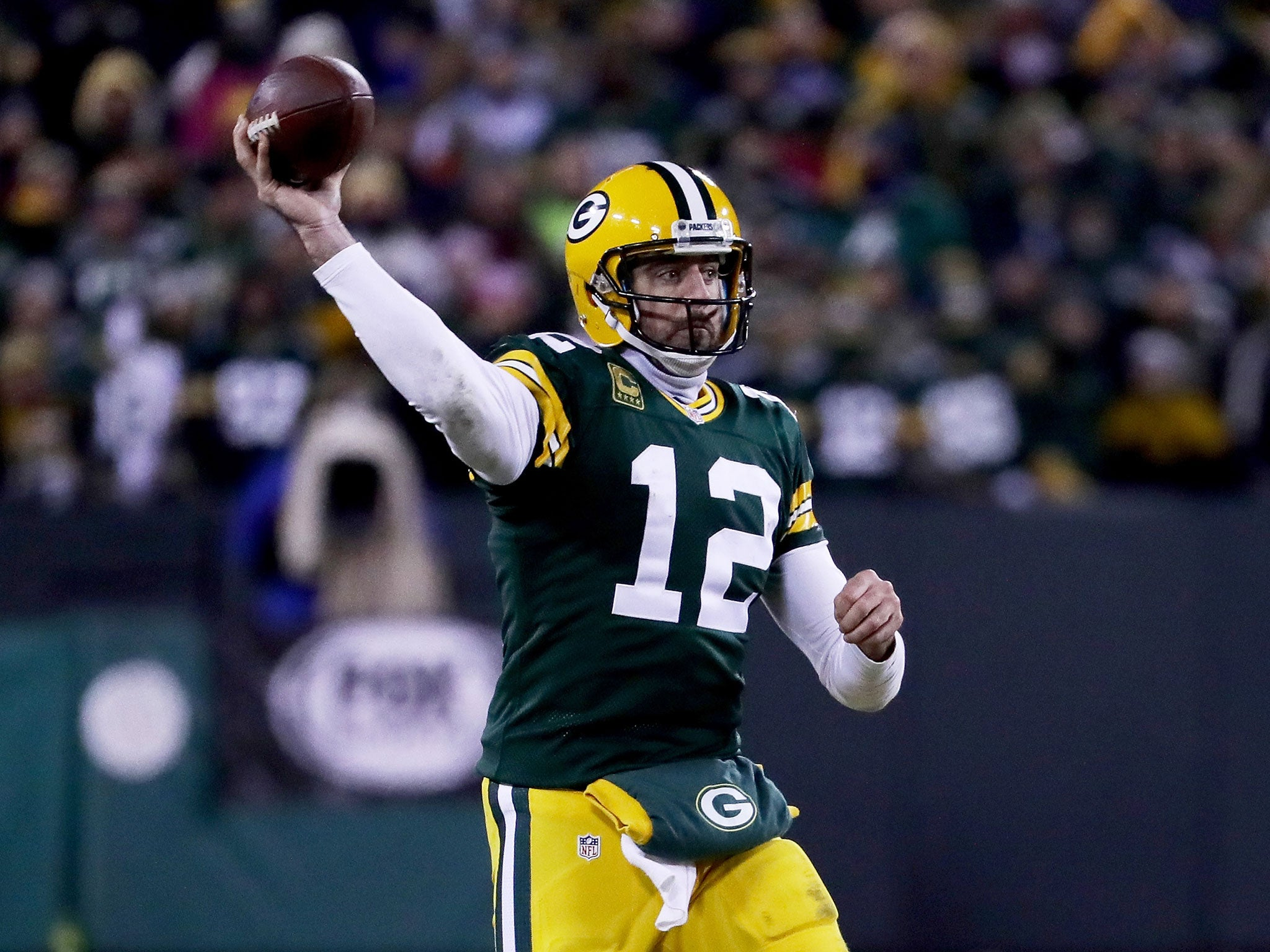 Aaron Rodgers inspires Green Bay Packers to rout of New York