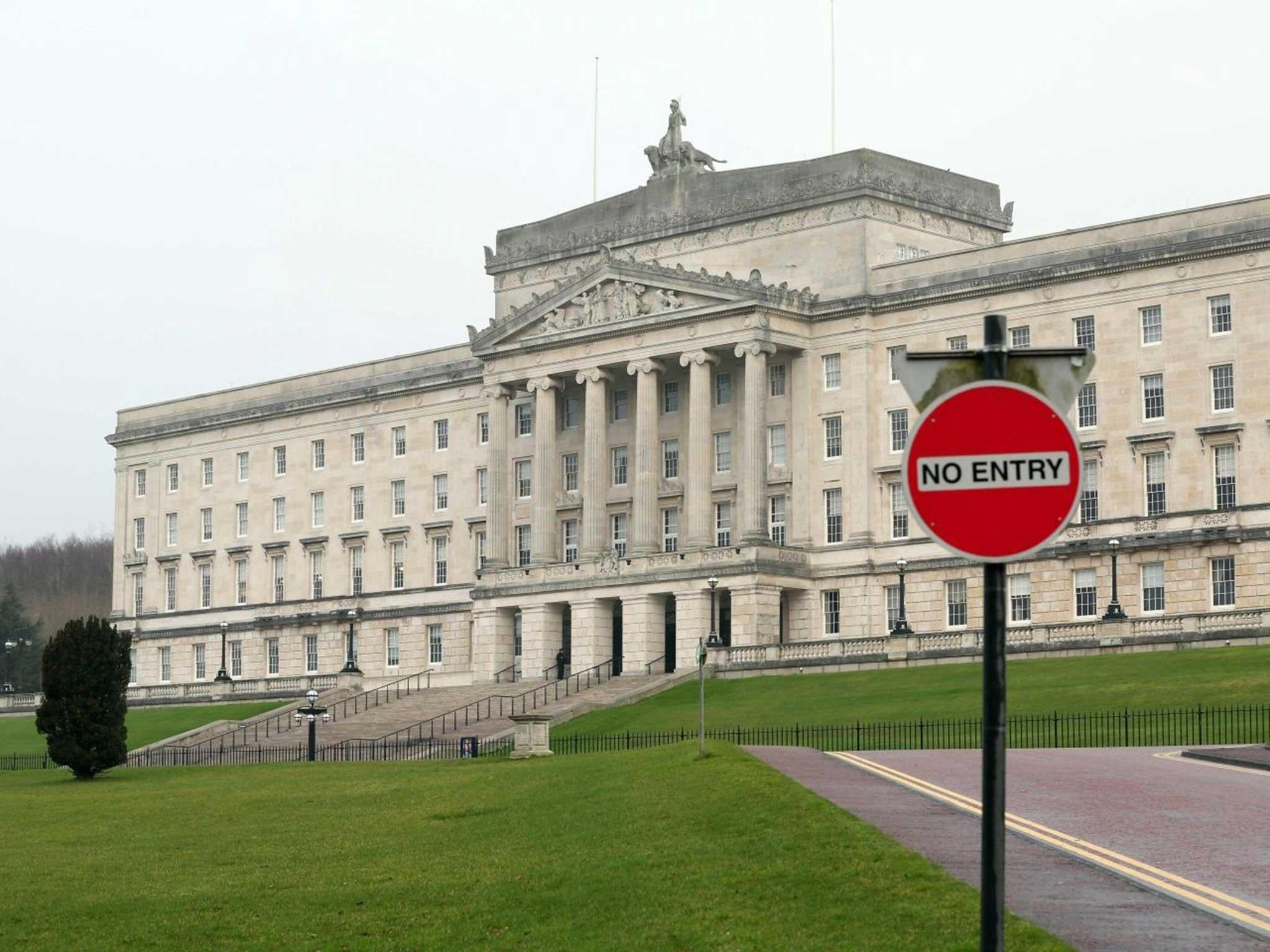 Northern Ireland political crisis: Live updates as power-sharing collapses