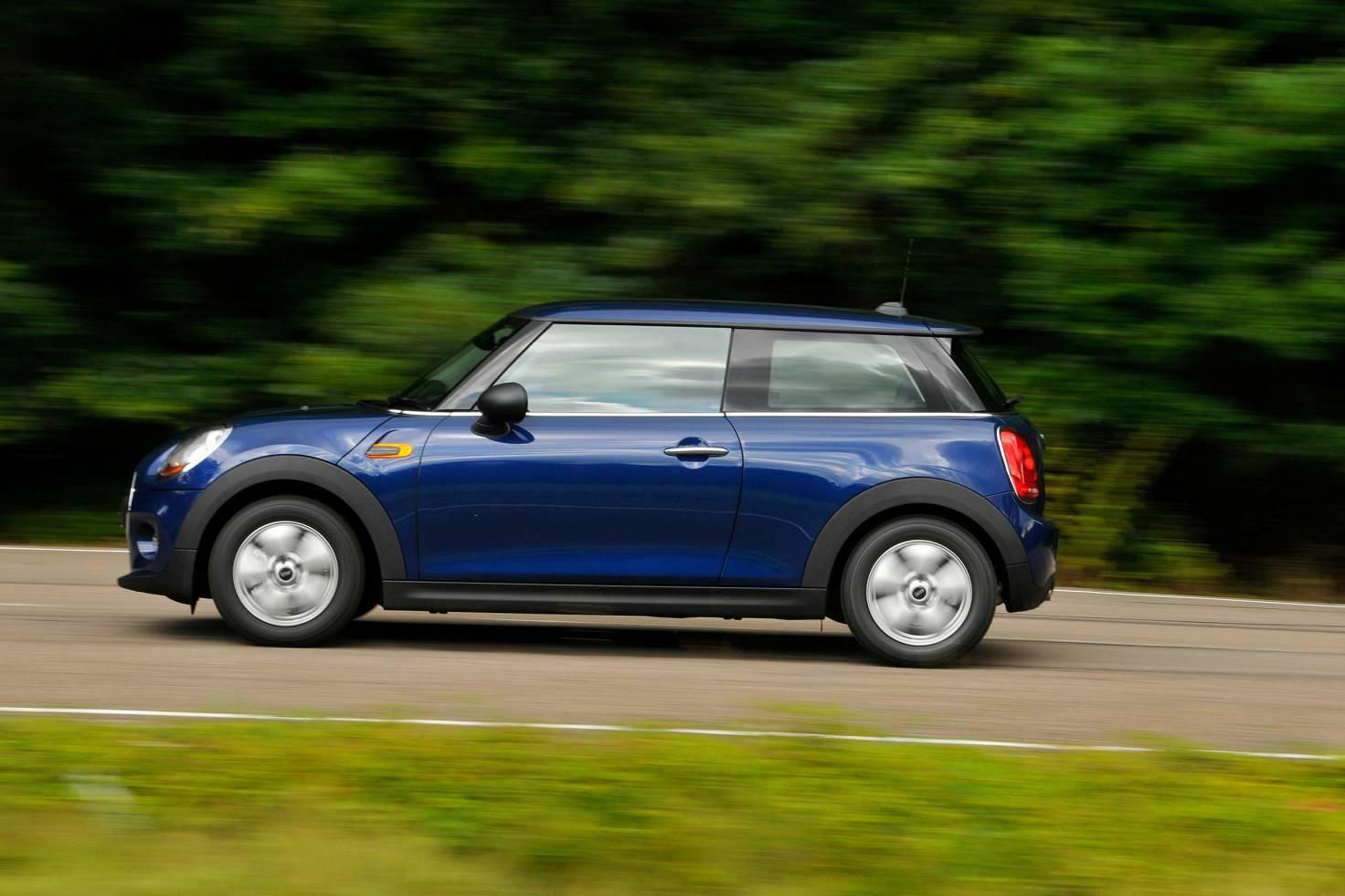 Review mini hatchback 3 door