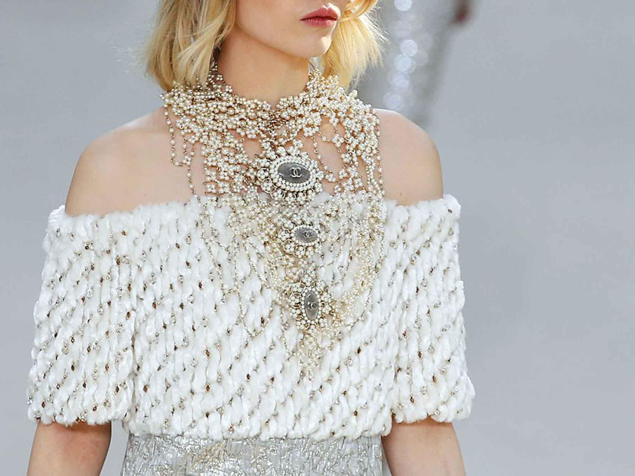 Pearls Are Back: Classic Jewellery Trend Returns To Chanel, Moschino And  Gucci Catwalks?  The Independent