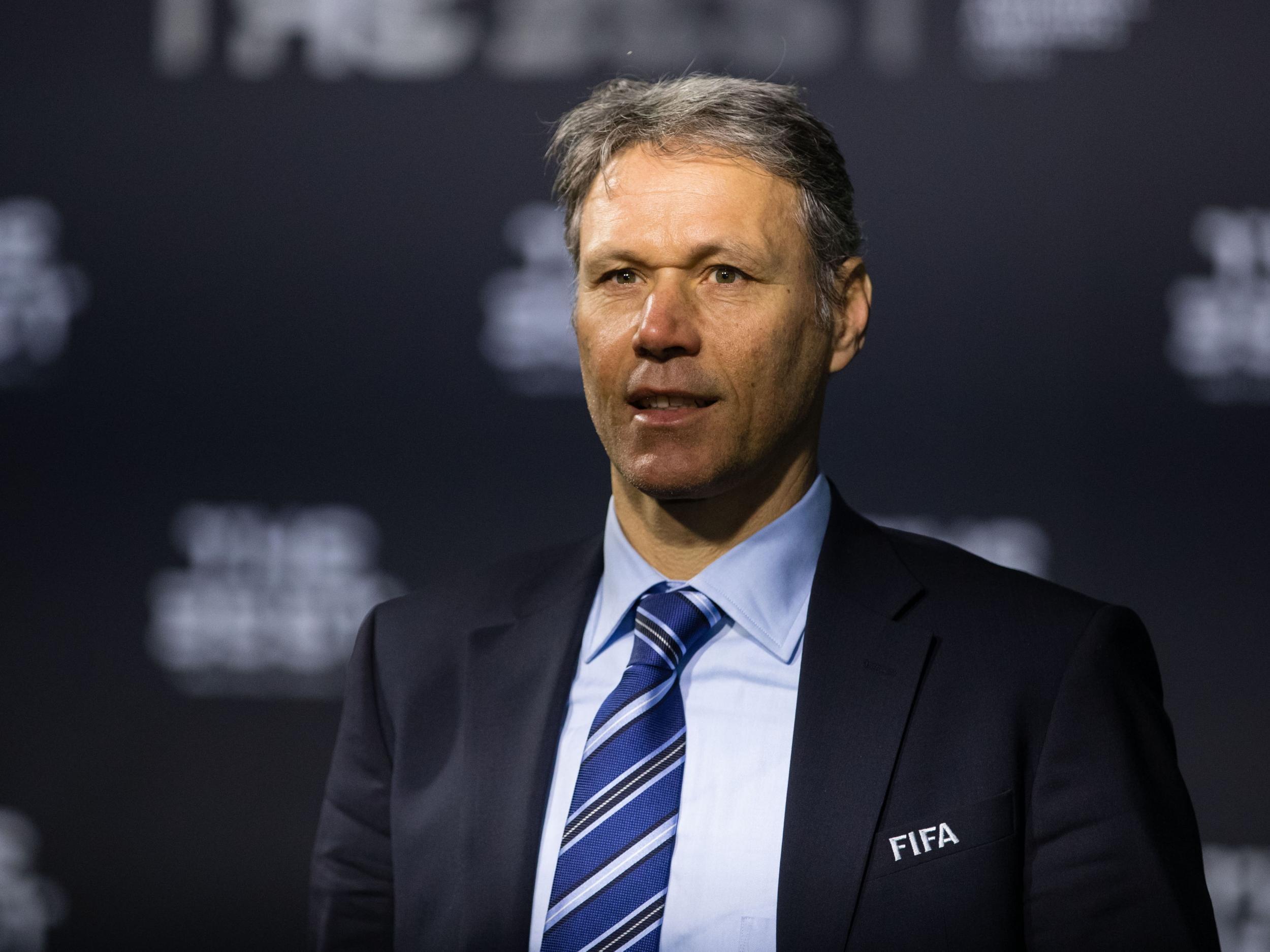 Top managers respond to Marco van Basten s immeasurable bulls