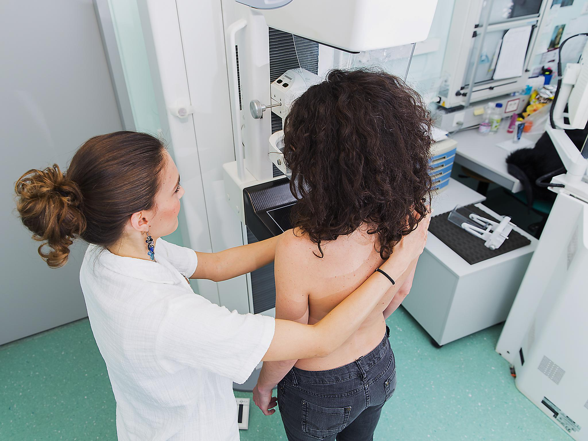 A woman posted a photo of breast cancer that the mammographer didn&#39
