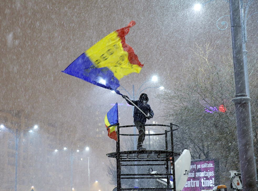 Bitterly cold conditions are not deterring the Bucharest protests calling for the government to resign