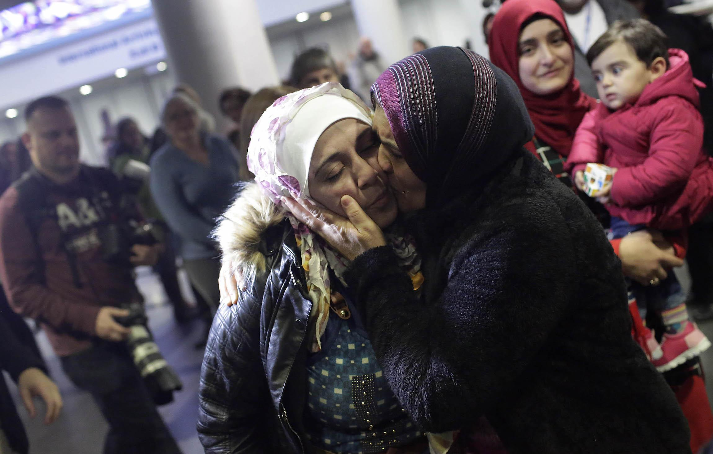 Donald Trump loses court battle to reinstate travel ban