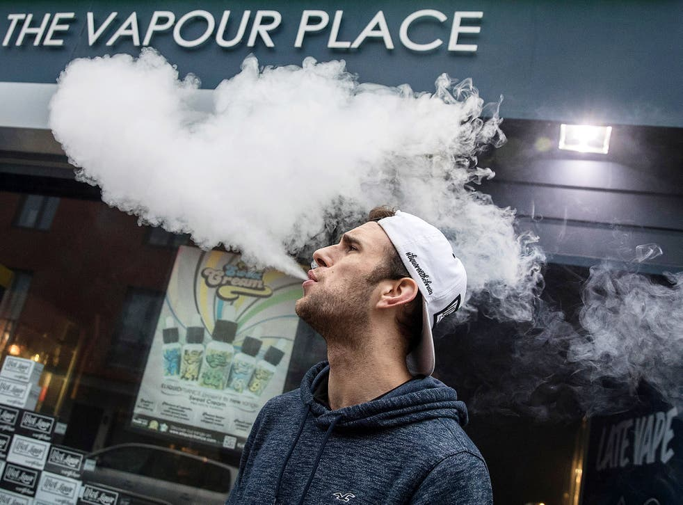 Young people have fallen ill in the US after vaping
