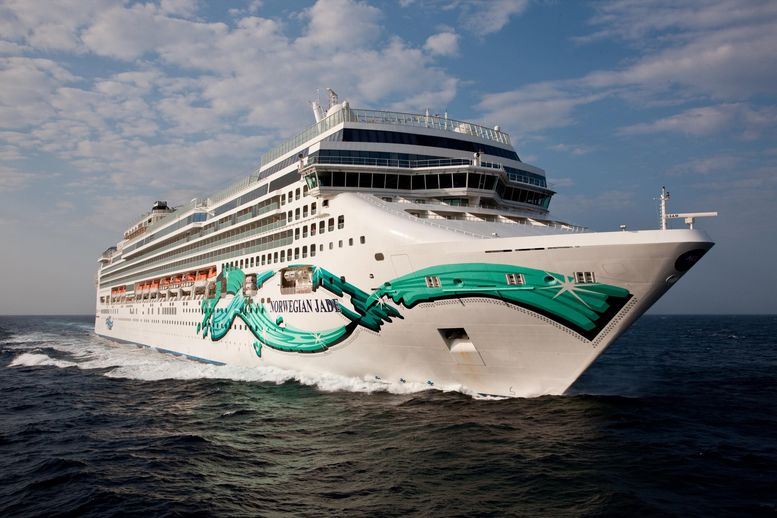 Cruise Line Makes Tipping Compulsory Unless Passengers Fill In A - How much do cruise ships make
