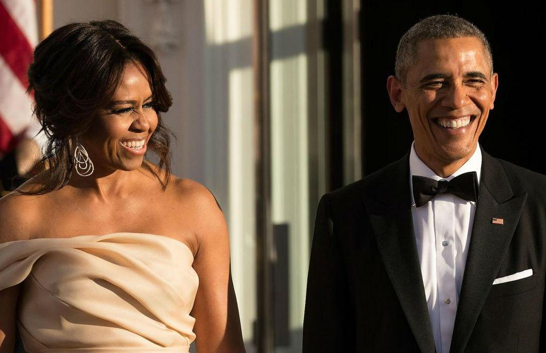 Michelle Obama Reveals Husband Wore Same Tuxedo For Eight border=