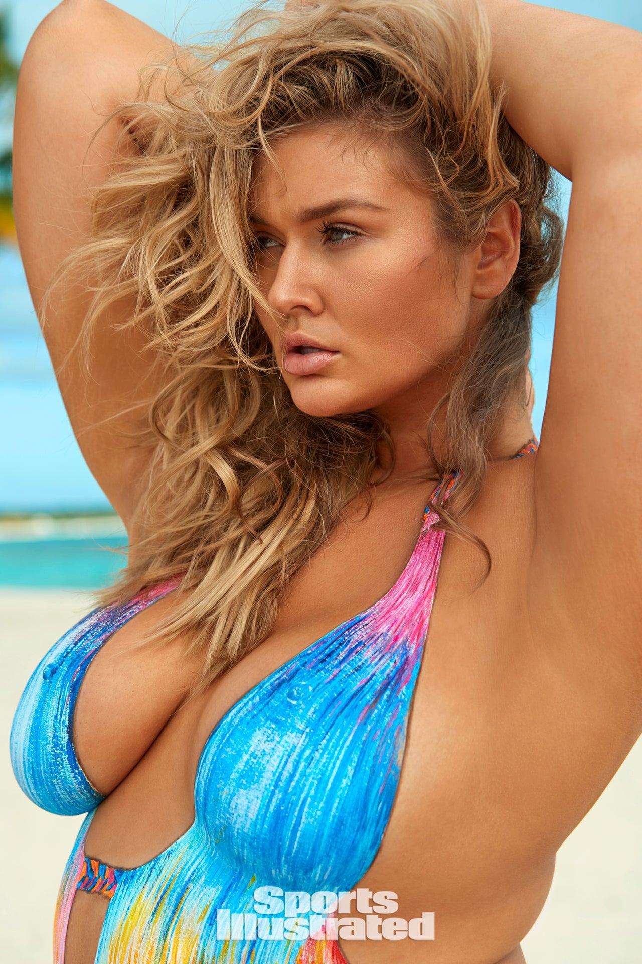 Plus-size model Hunter McGrady stars in Sports Illustrated's