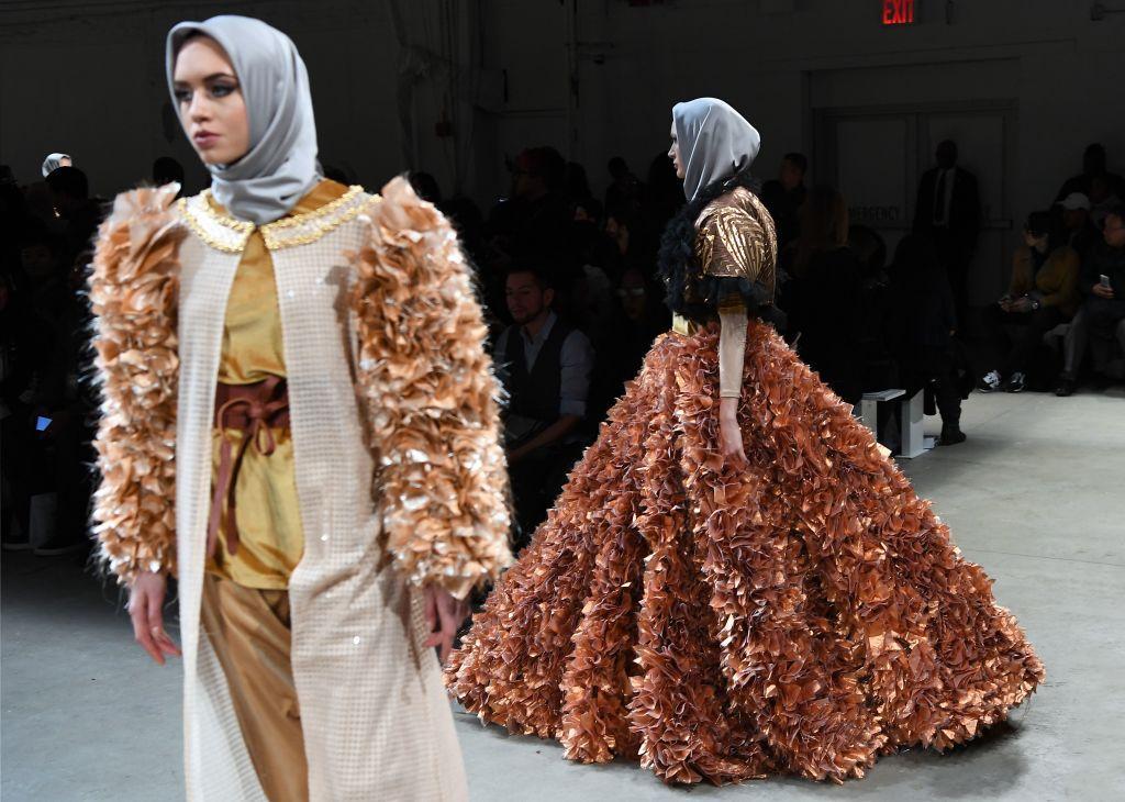 Muslim Women S Fashion Runway Dubai