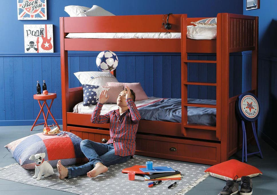 Save Space In The Kidsu0027 Rooms With A Contemporary Stacked Sleeper