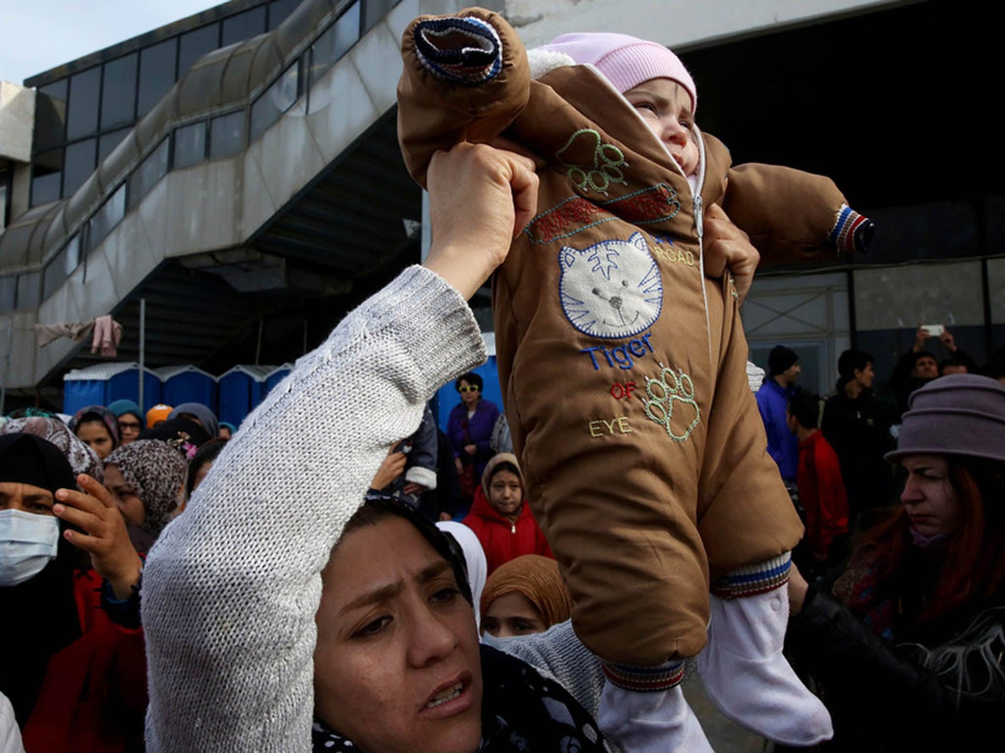 Afghan police start beating asylum seekers in front of Danish officers on deportation flight