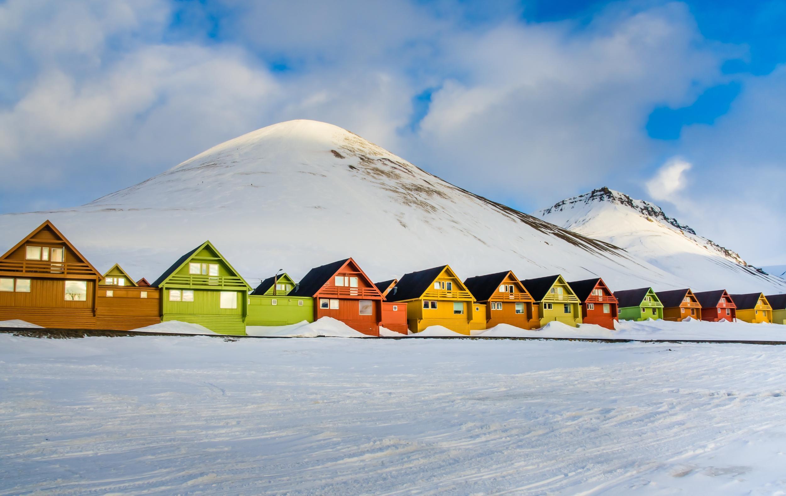 dating Svalbardkohtalo talo sudet ei matchmaking