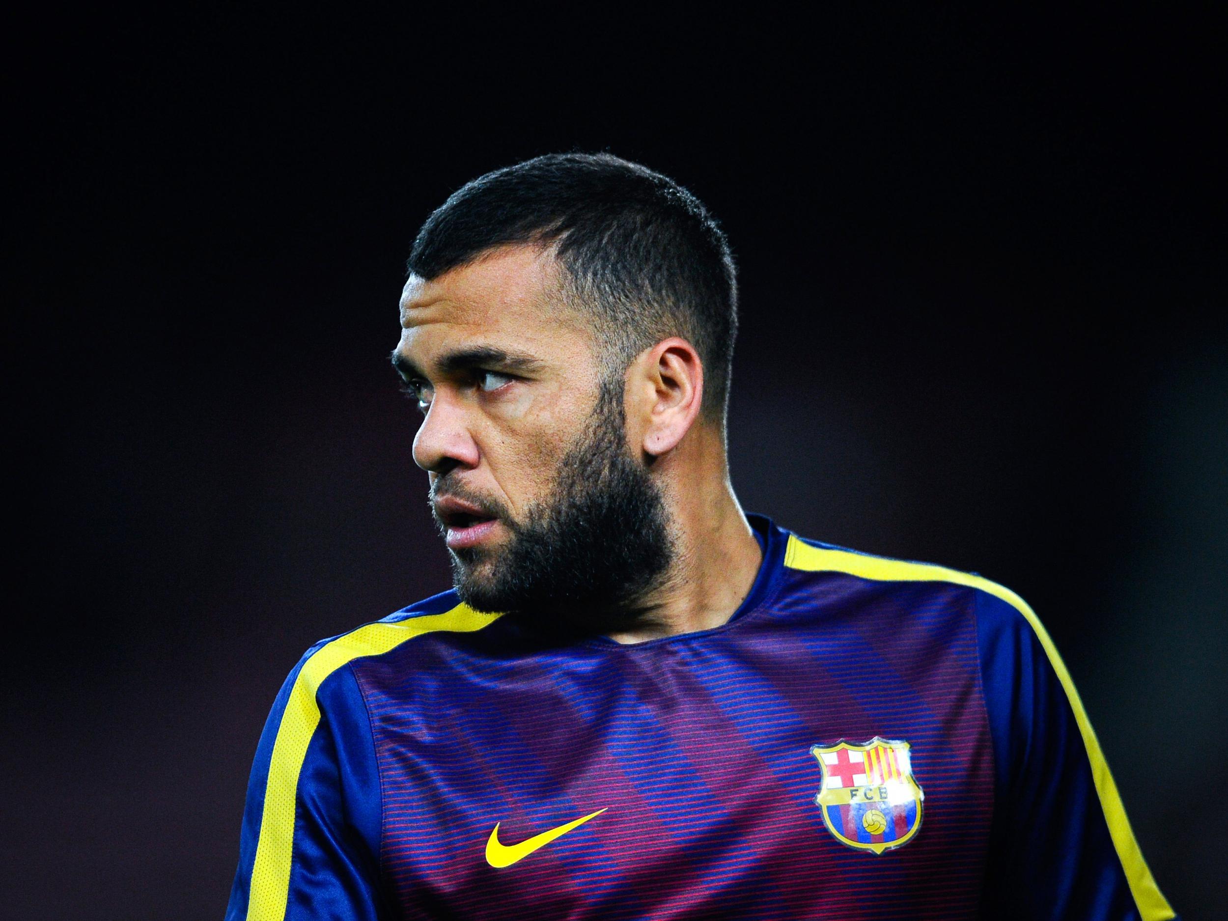 Dani Alves attacks Barcelona as 'very false and ungrateful', although bears no ill will to Cristiano Ronaldo