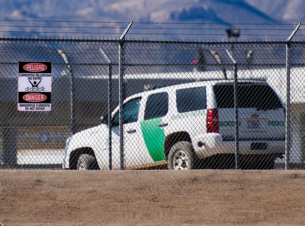 A US border patrol vehicle near the Mexican border