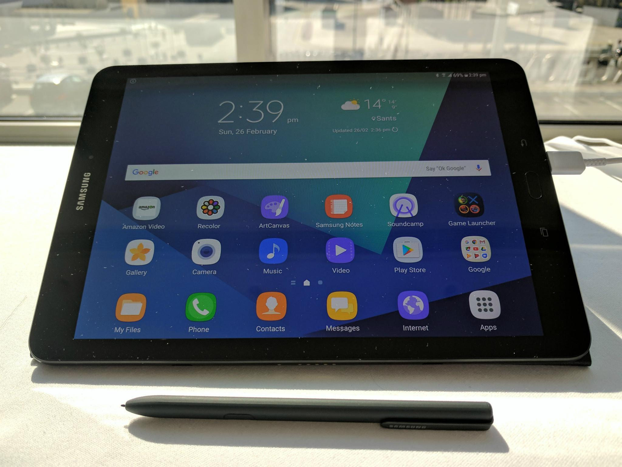 mwc 2017 the stunning samsung galaxy tab s3 will make you fall in love with tablets again the. Black Bedroom Furniture Sets. Home Design Ideas