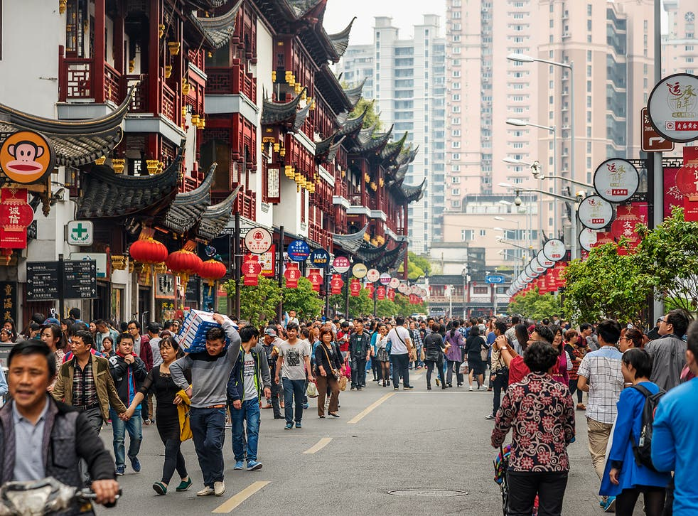 Shanghai old town: the population of China may have already been overtaken by India