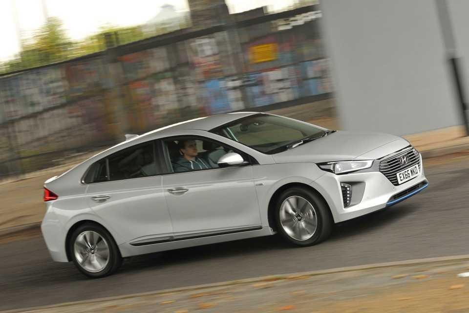 Green cars put to the test: Hyundai Ioniq v Toyota Prius