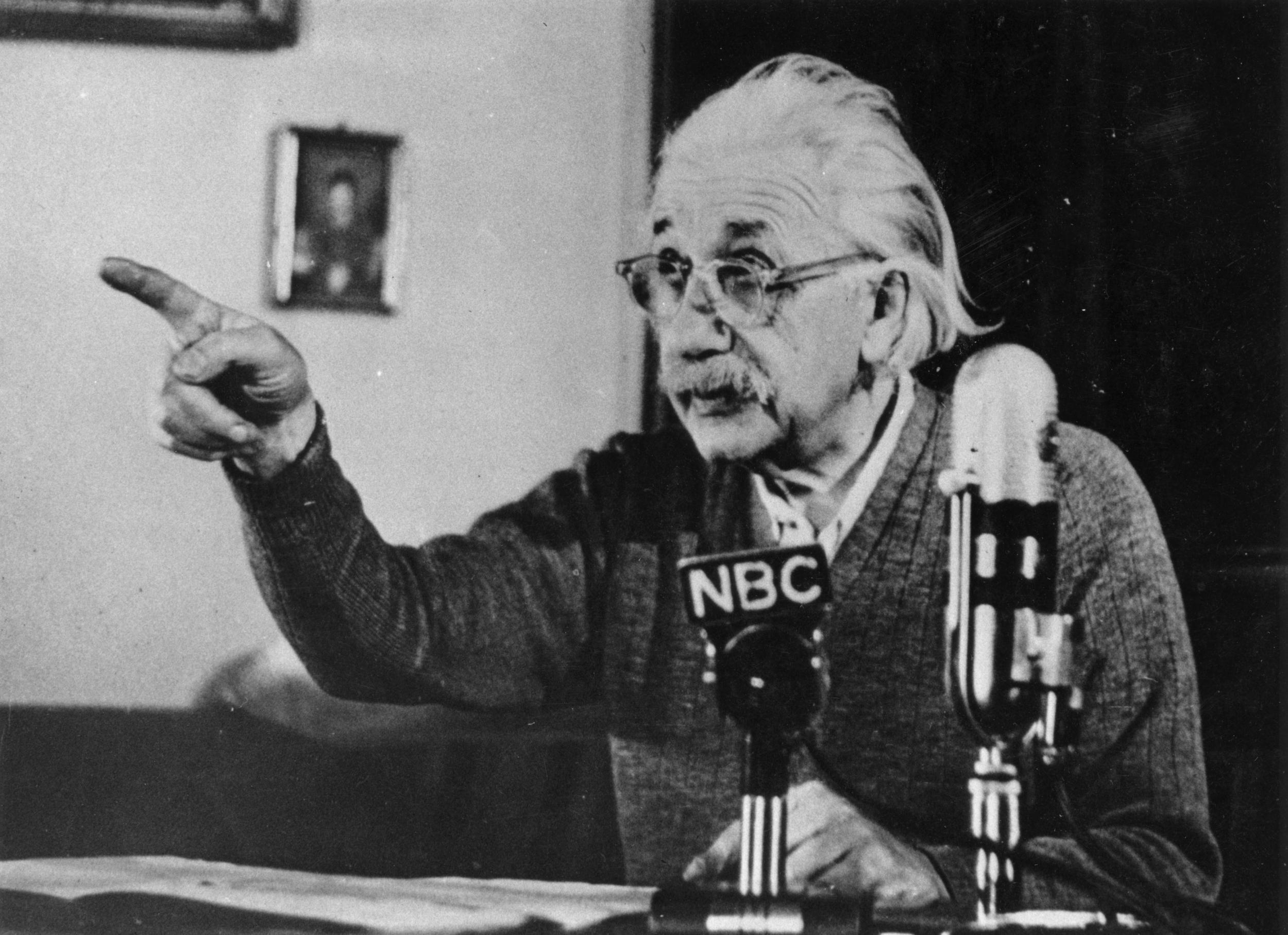 25 Quotes That Take You Inside Albert Einsteins Revolutionary Mind